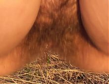 Hairy mature pee outdoor