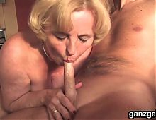GanzGeil.com Horny mature German woman fucking